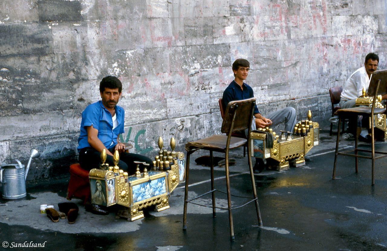 Turkey - Istanbul - Shoeshiners