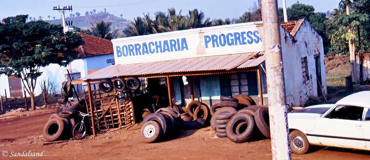 Brazil - On the way to Cuiabá - One of the ubiquitous roadside service stations for flat or torn tires in the Amazon