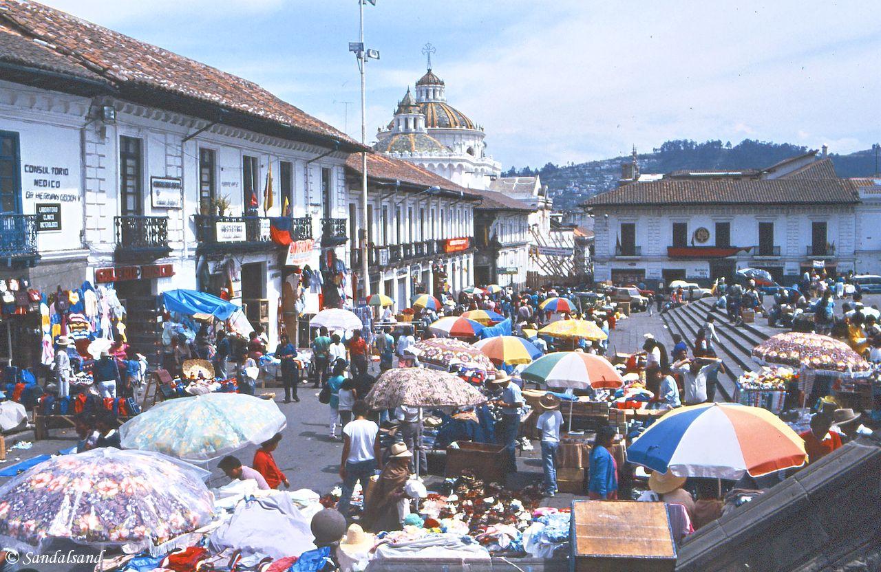 Ecuador - Quito plaza market