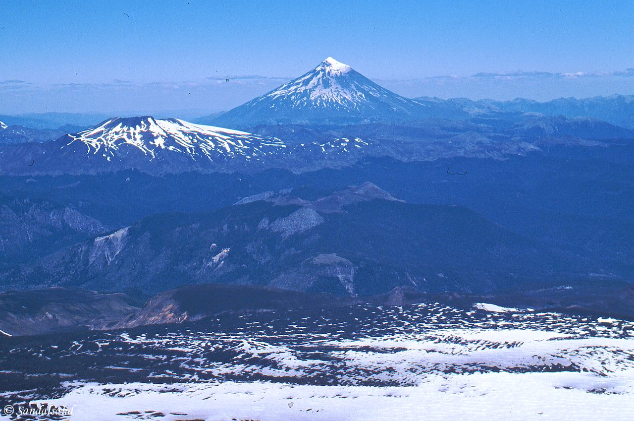 Chile - Volcan Villarrica - A view towards Argentina