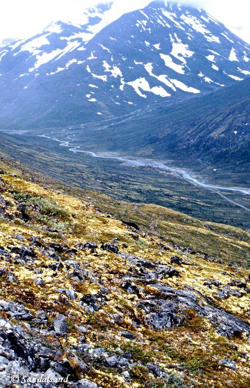 Oppland - Jotunheimen - Ned mot Spiterstulen. Fjellet bak er Styggehø