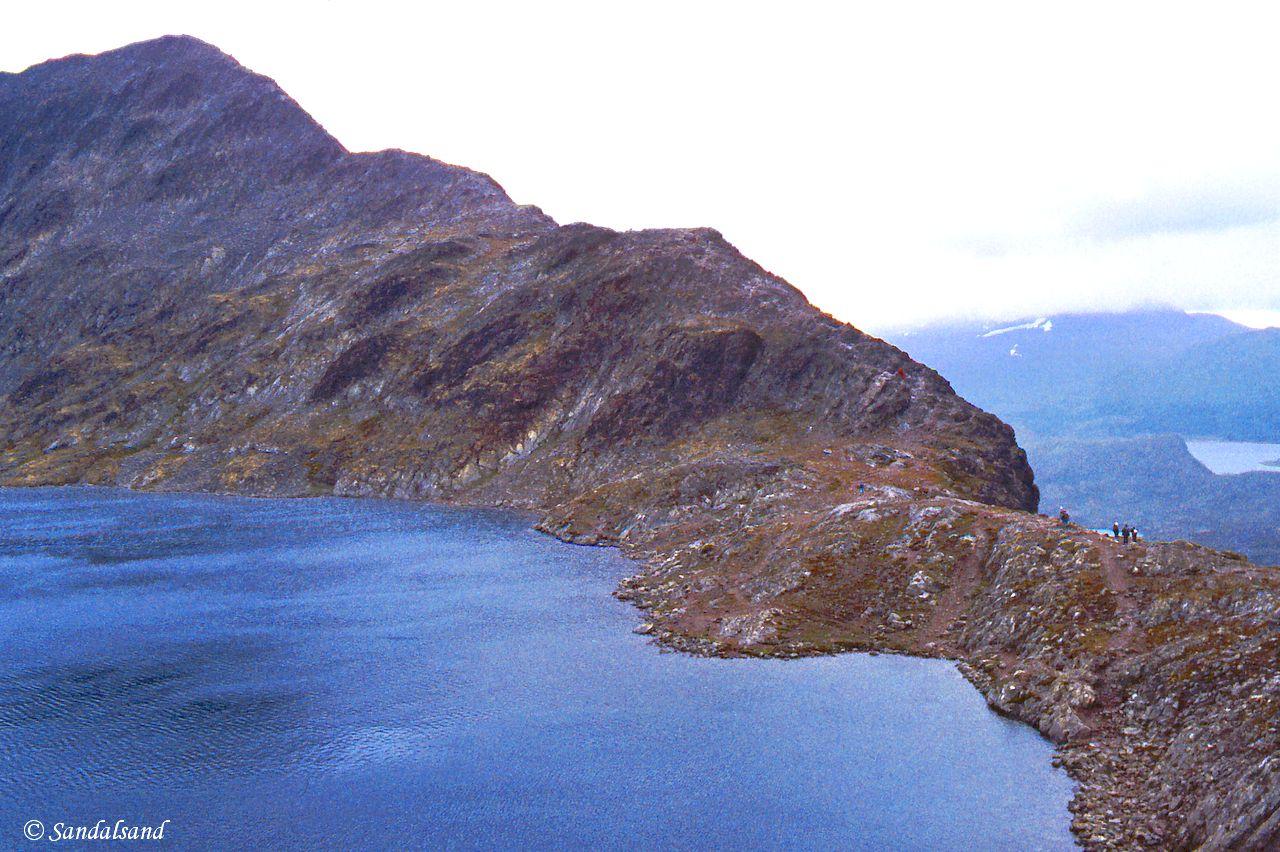 Oppland - Jotunheimen - Besseggen med Bessvatn, nedenfra