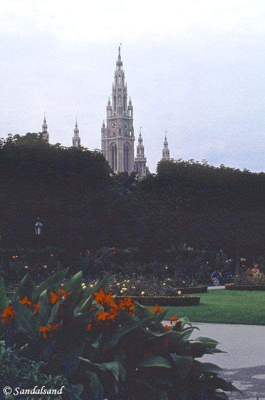 Austria - Wien (Vienna) - city park and Stefansdom