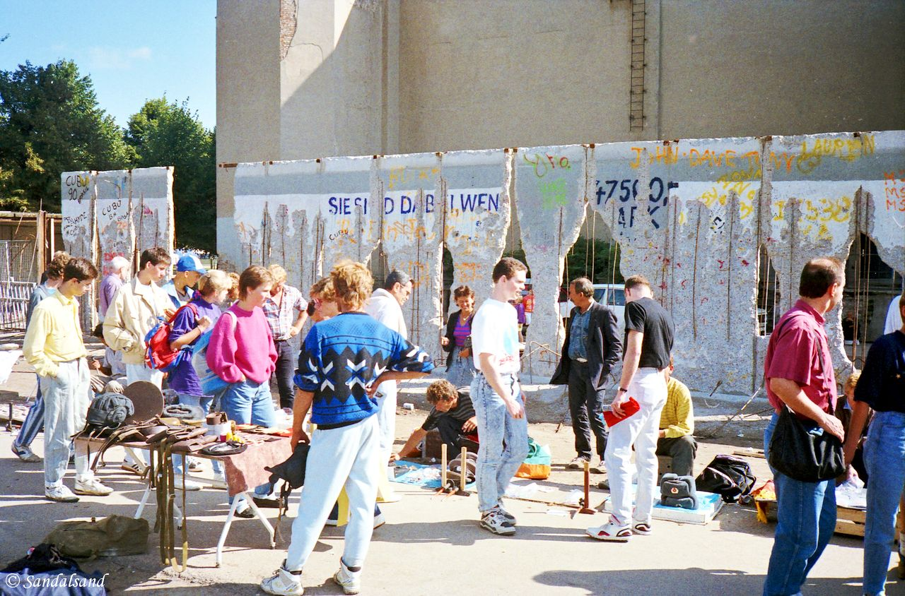 Germany - Tearing down the Berlin Wall