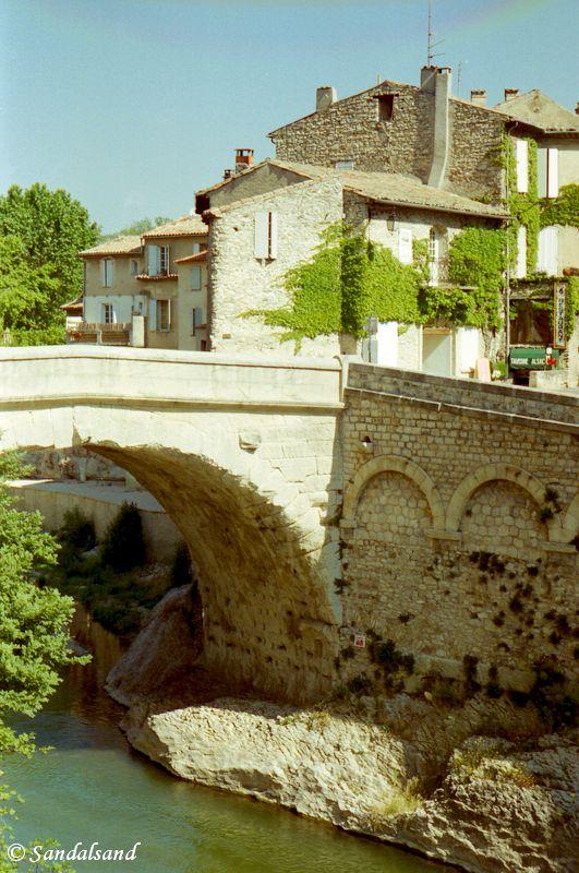 France - Provence - Vaison-la-Romaine - Ancient Roman bridge across the River Ouvèz
