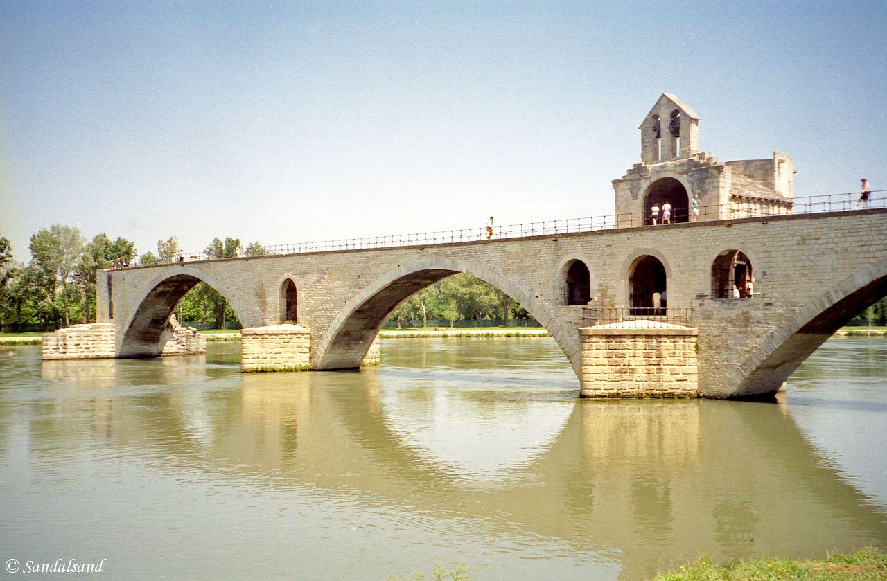 France - Provence - Sur le pont d'Avignon - Rhône River