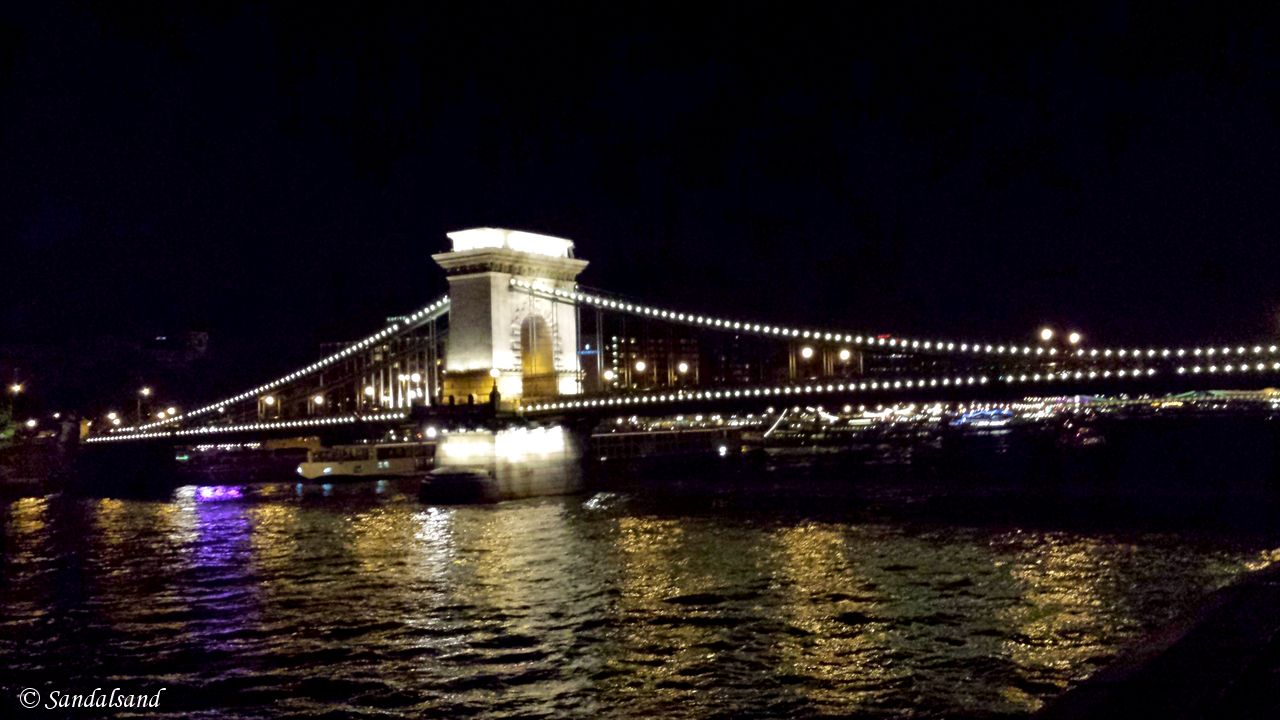 Hungary - Budapest - Chain Bridge (Széchenyi Lánchíd)