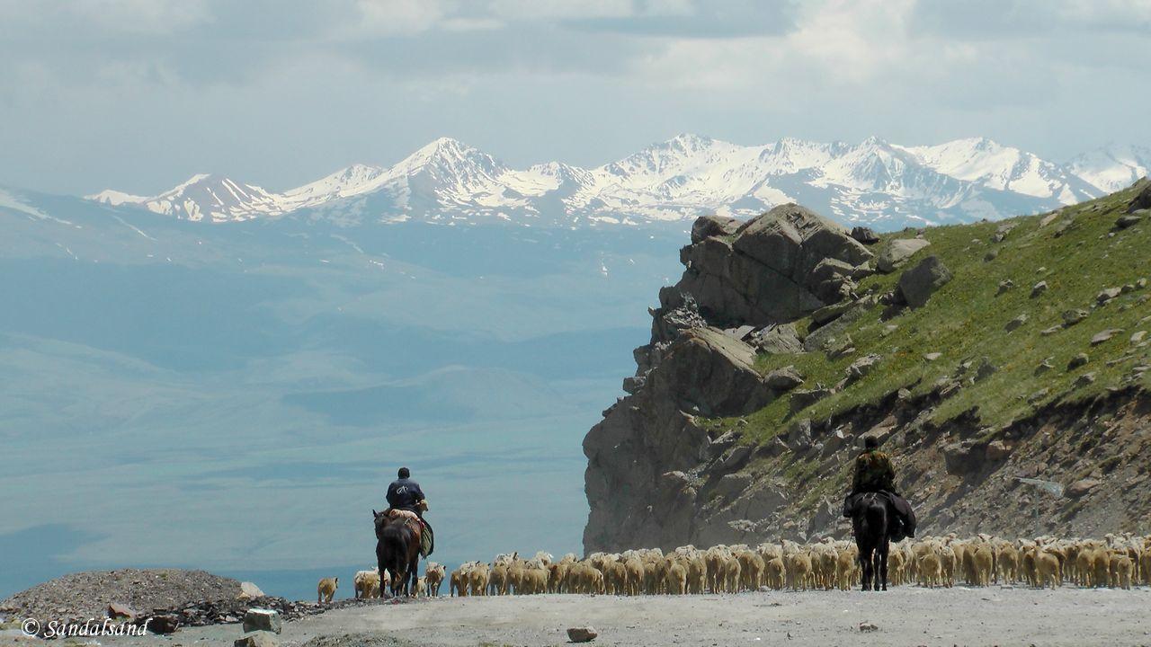 Kyrgyzstan - Töö Ashuu mountain pass
