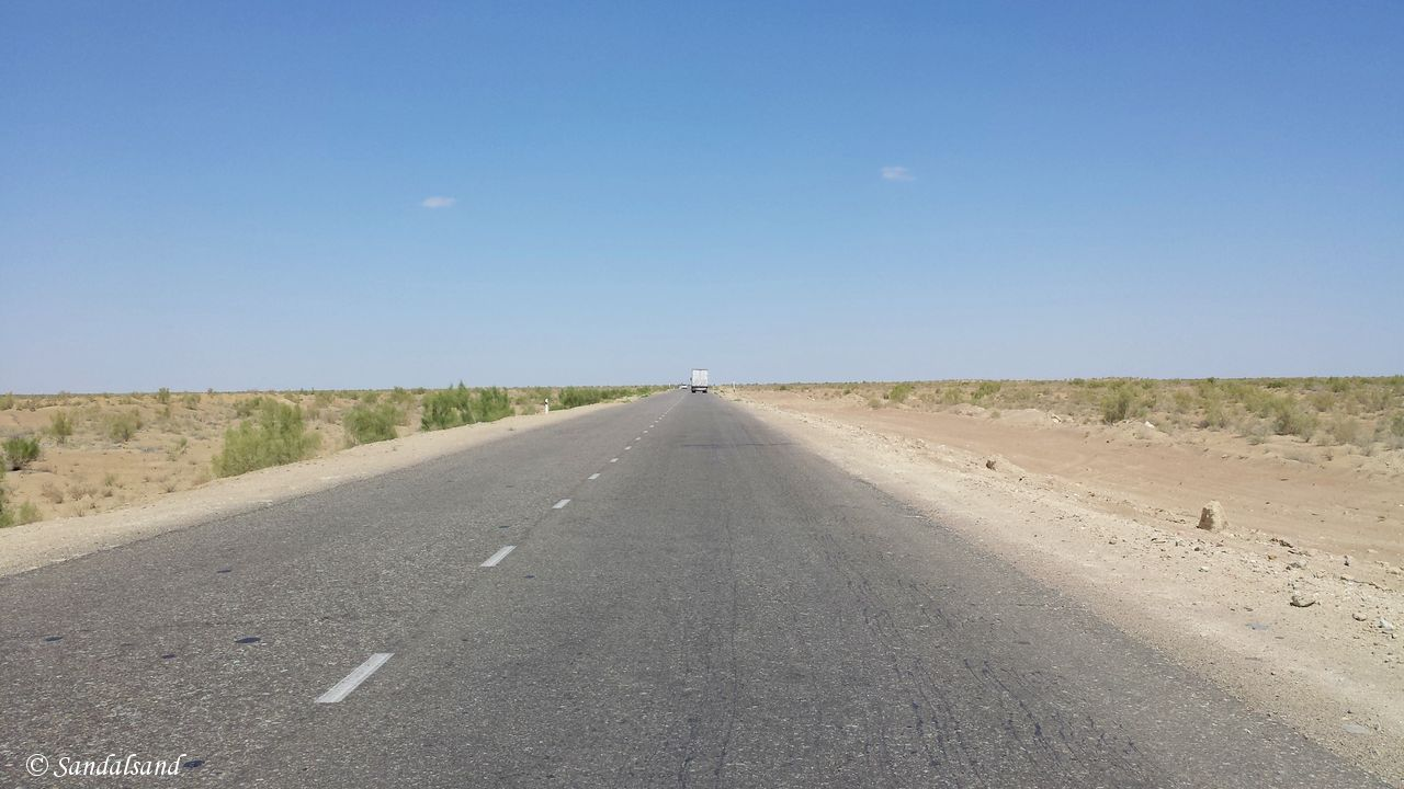 Uzbekistan - Kyzyl Kum desert