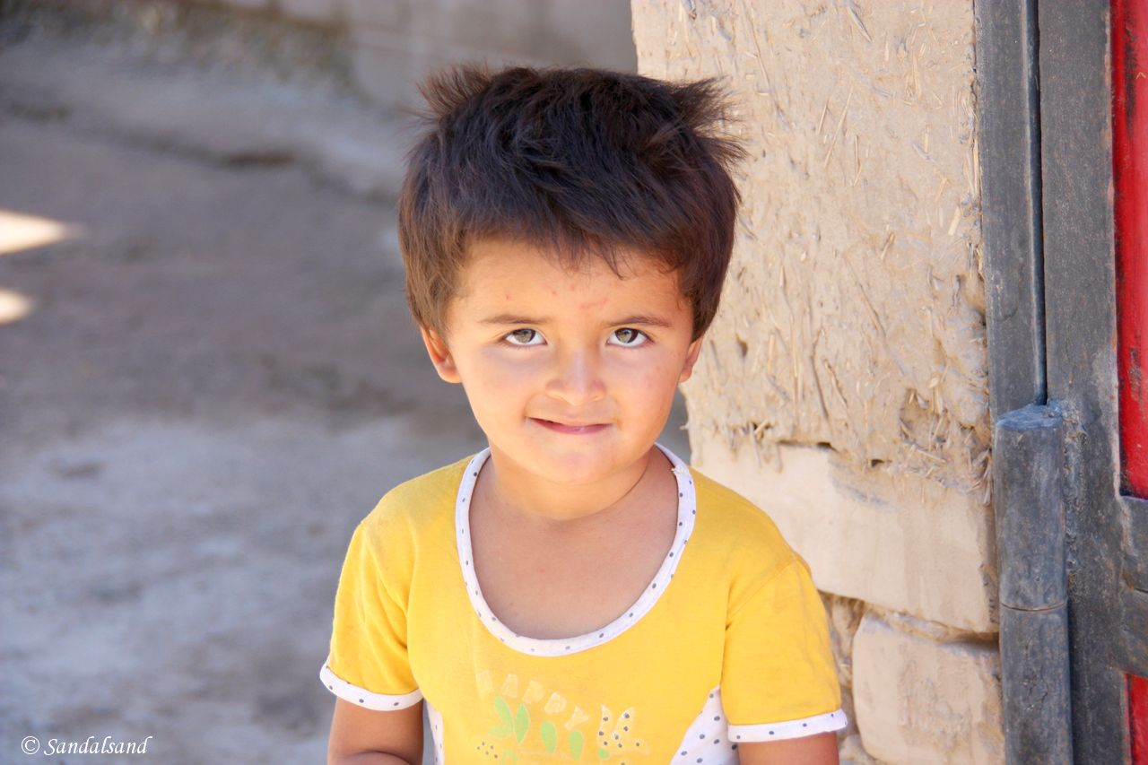 Uzbekistan - Khiva - Itchan Kala - Young boy