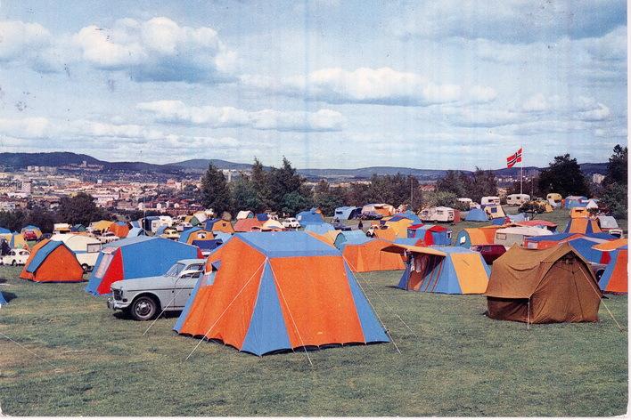 Ekeberg camping (Oslo byarkiv). Bildet er sannsynligvis fra rundt 1970 vurdert ut fra størrelsen på campingvognene.