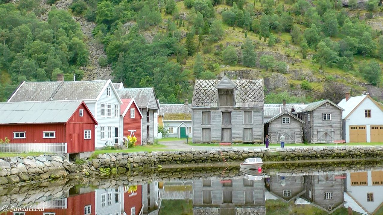 Western Norway Road Trip (2) Lærdalsøyri