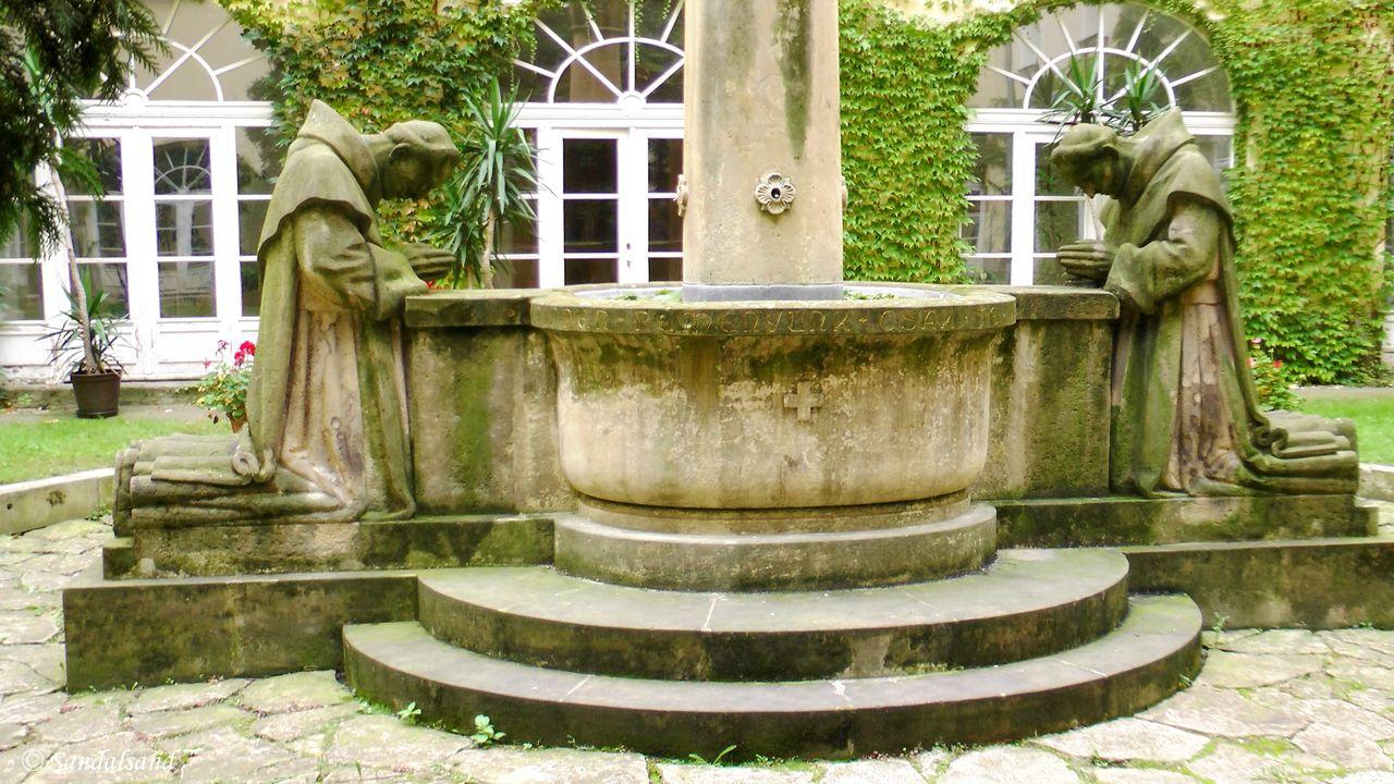Harmonious gardens and hidden courtyards in Budapest