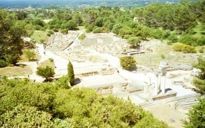 Roman ruins and medieval fortresses in Provence