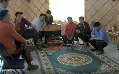 VIDEO – Mongolia – Ankle bone shooting