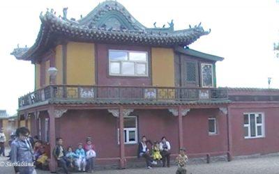 VIDEO – Mongolia – Ulaanbaatar – Gandantegchinleng Khiid Buddhist monastery