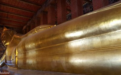 Glitter, gold and emerald in The Grand Palace of Bangkok
