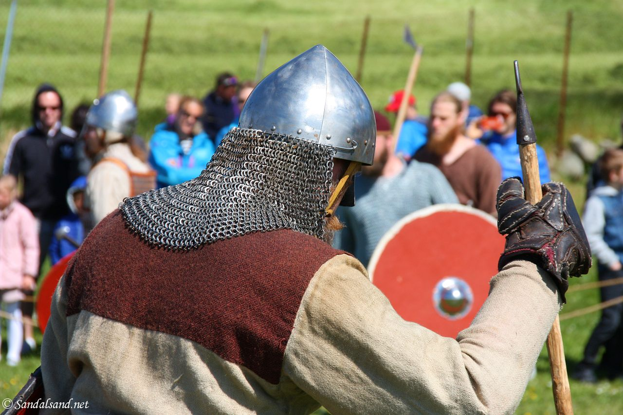 The resurrection of the Hafrsfjord Vikings